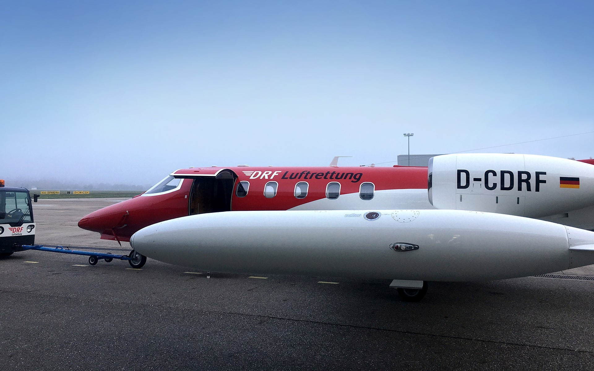 Hier wird der Learjet am Flughafen Karlsruhe/Baden-Baden bereitgestellt... Foto: E. Bittner
