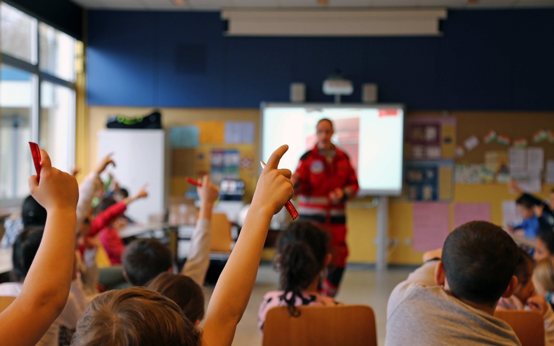 Beim abschießenden Rätsel konnten die Kinder die verschiedenen Fragen zur Luftrettung alle bestens beantworten. Foto: Jana Brunck