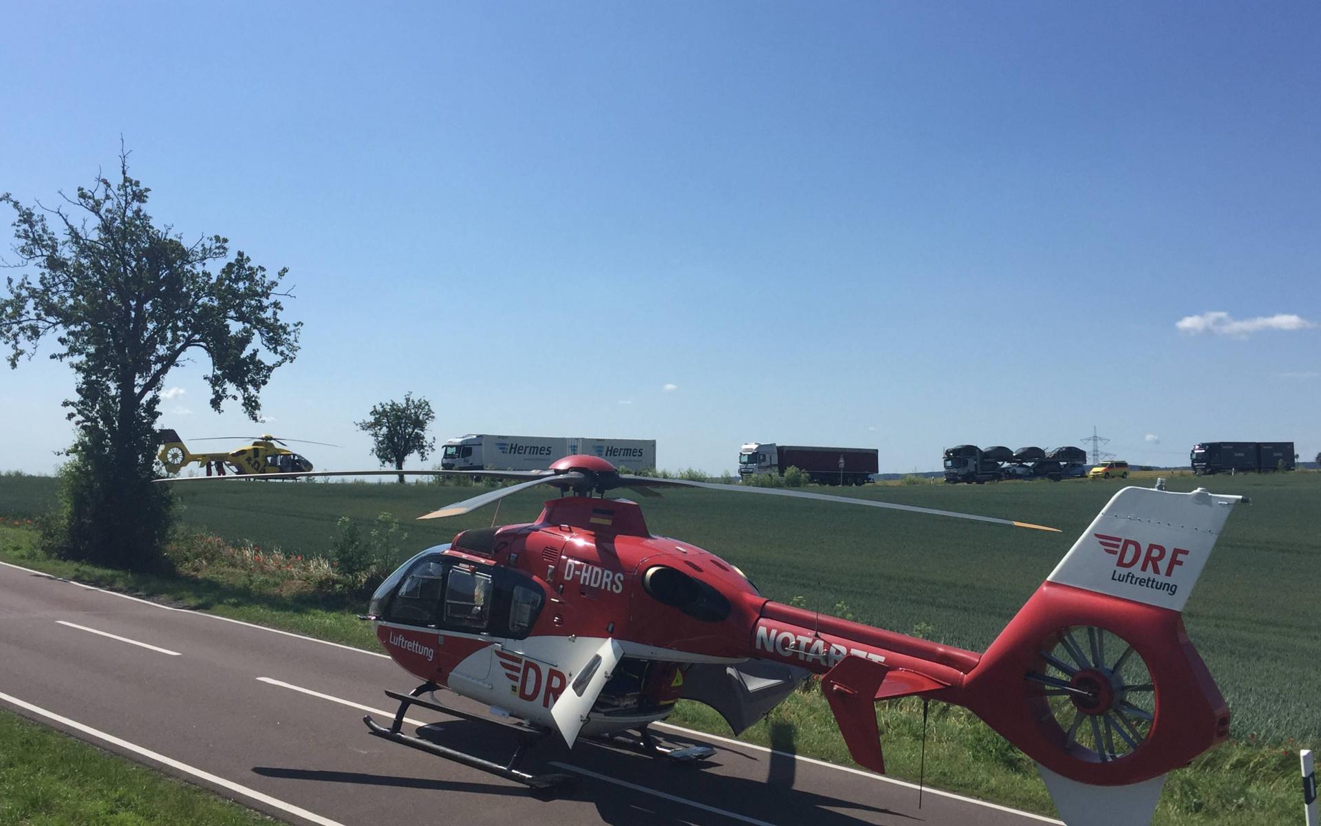 Mehrere Hubschrauber waren nach einem Unfall nahe Eisleben im Einsatz, unter anderem Christoph 37 und Christoph Sachsen-Anhalt.