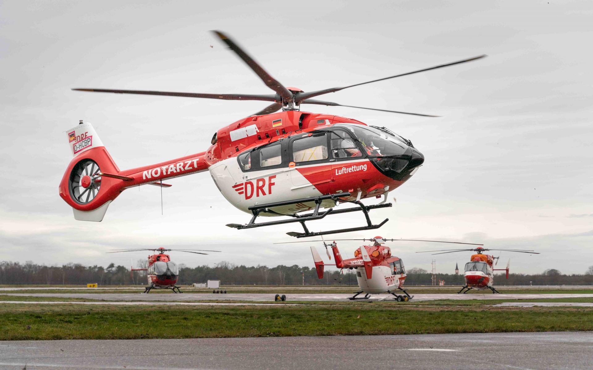 Ankunft der neuen H145 mit Fünfblattrotor am Operation Center