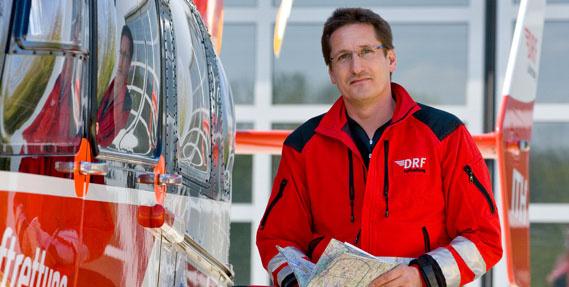 Während seiner Zeit bei der DRF Luftrettung arbeitete Dietmar Gehr u.a. auch als Stationsleiter und Pilot für medizinische Hubschraubereinsätze in München.