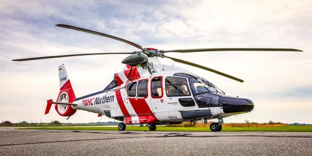Essener Energiekonzern RWE bündelt die Luftrettung für seine Windparks unter einem Dach: bei der NHC Northern Helicopter GmbH. (Quelle: Northern Helicopters)
